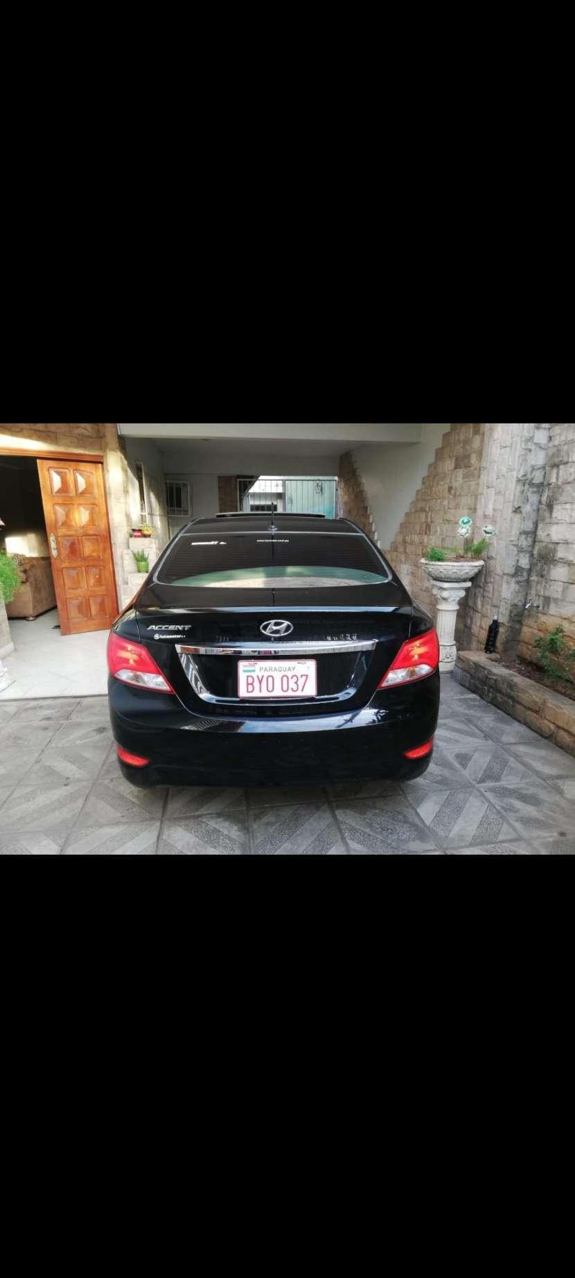 Hyundai Accent GLS 2016 automático - 2