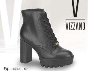 Bota color negro Vizzano