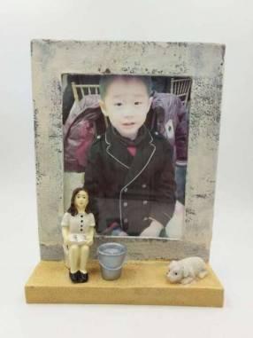 Porta retrato de yeso 13x18 cm