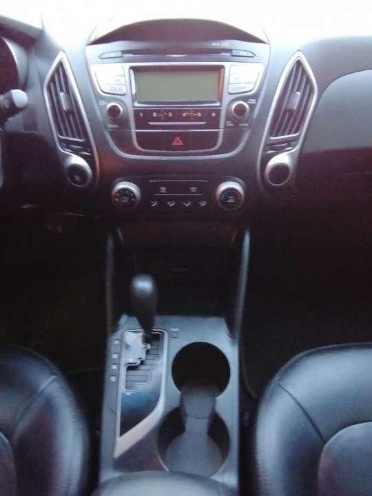 Hyundai Tucson 2011 motor turbo diésel automático 4x4 - 7