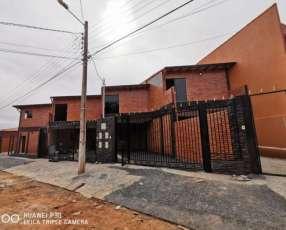 Duplex en Pozo Fernando de la Mora zona Norte Y5451