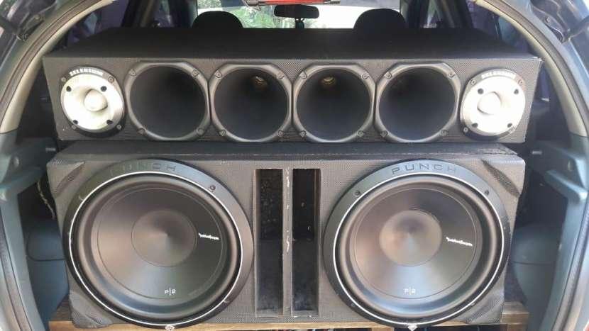 Caja Acústica - 0