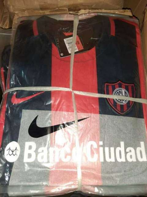 Remeras San Lorenzo de Almagro y River Plate