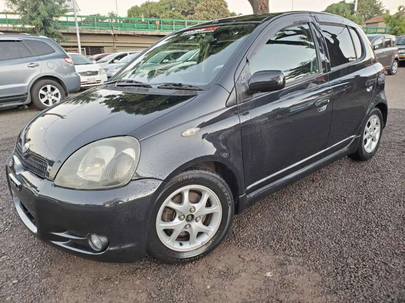 Toyota vitz rs 2001 - 0
