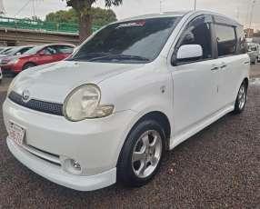 Toyota sienta 2005 motor 1500 naftero automático