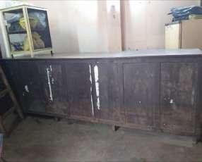 Mostrador de madera 3m. Más estantería de 3m.½x6