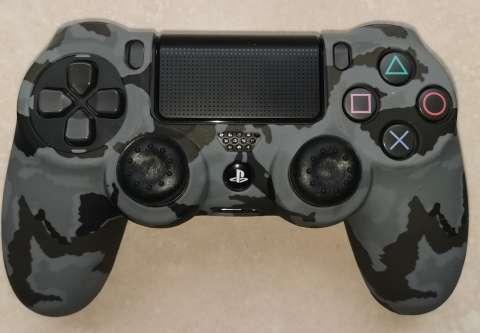 Funda y grip para control PS4 - 0