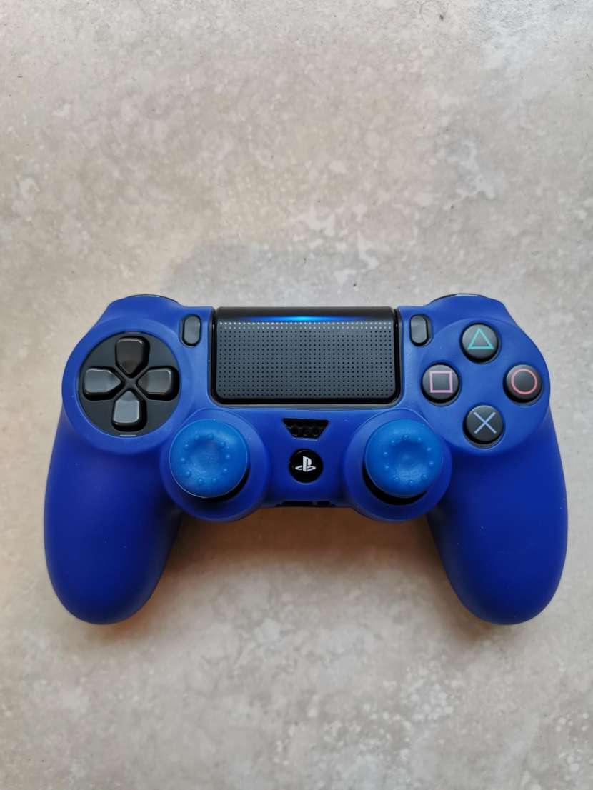 Funda y grip para control PS4 - 3