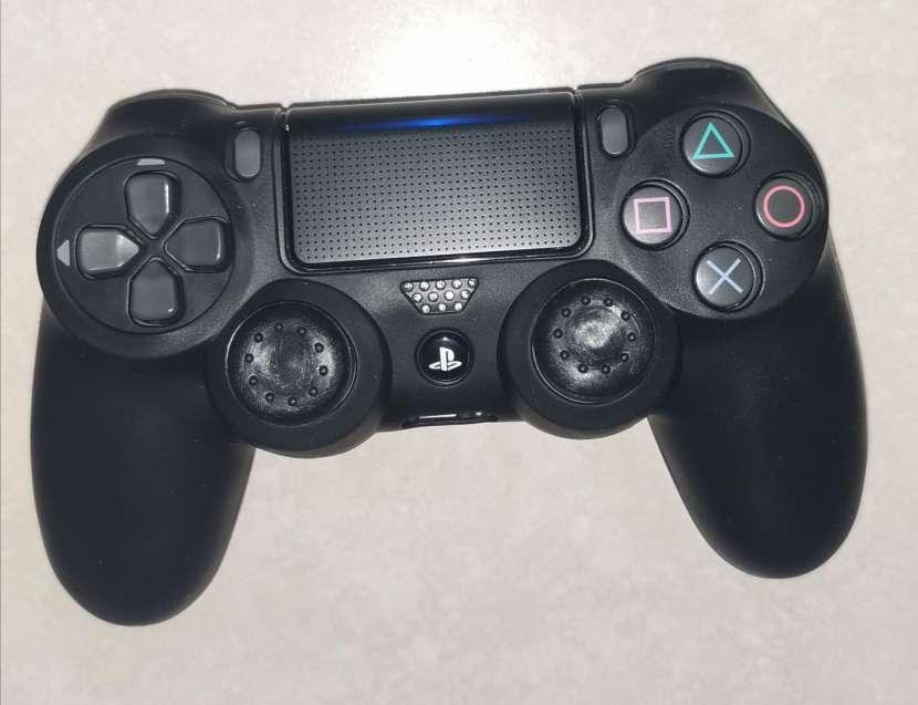Funda y grip para control PS4 - 4
