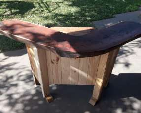 Mesa rústica de algarrobo
