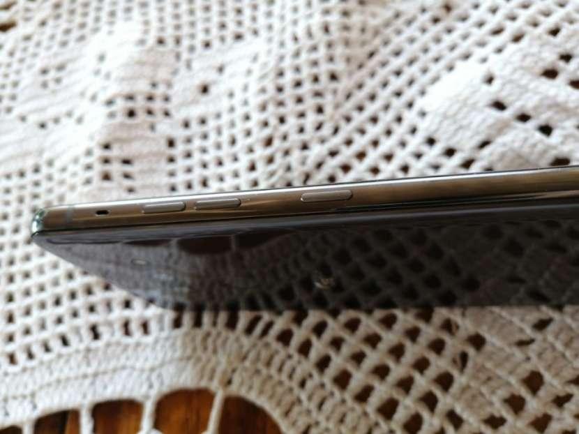LG G8 ThinQ 128 gb - 2