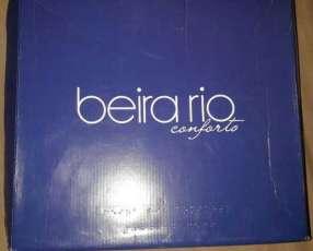 Bota Beira Rio calce 40