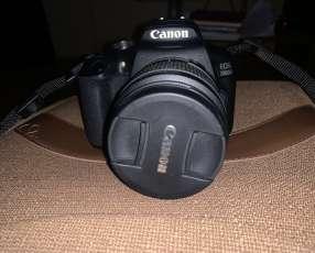 Cámara Canon 2000D