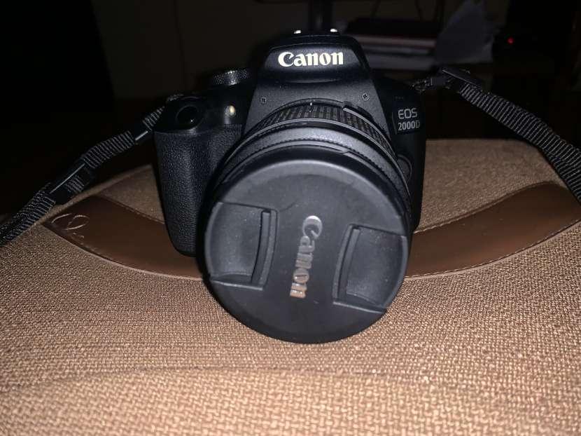 Cámara Canon 2000D - 0