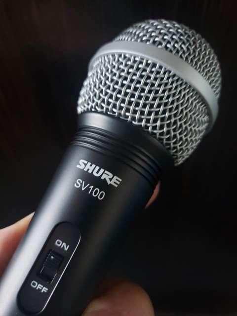 Micrófono con cable