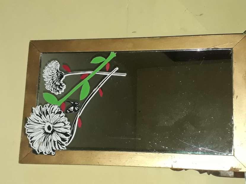 Espejo con marco - 0