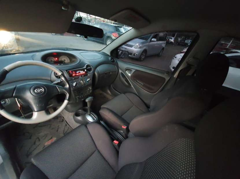 Toyota Vitz RS 2001 - 6