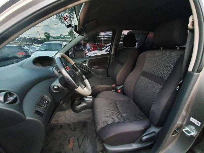 Toyota Vitz RS 2001 - 8