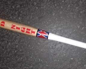 Bate de béisbol de madera personalizados