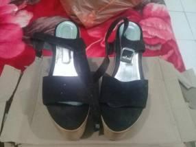 Bota y Zapato