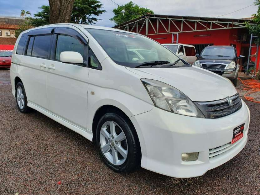 Toyota isis 2006 - 0