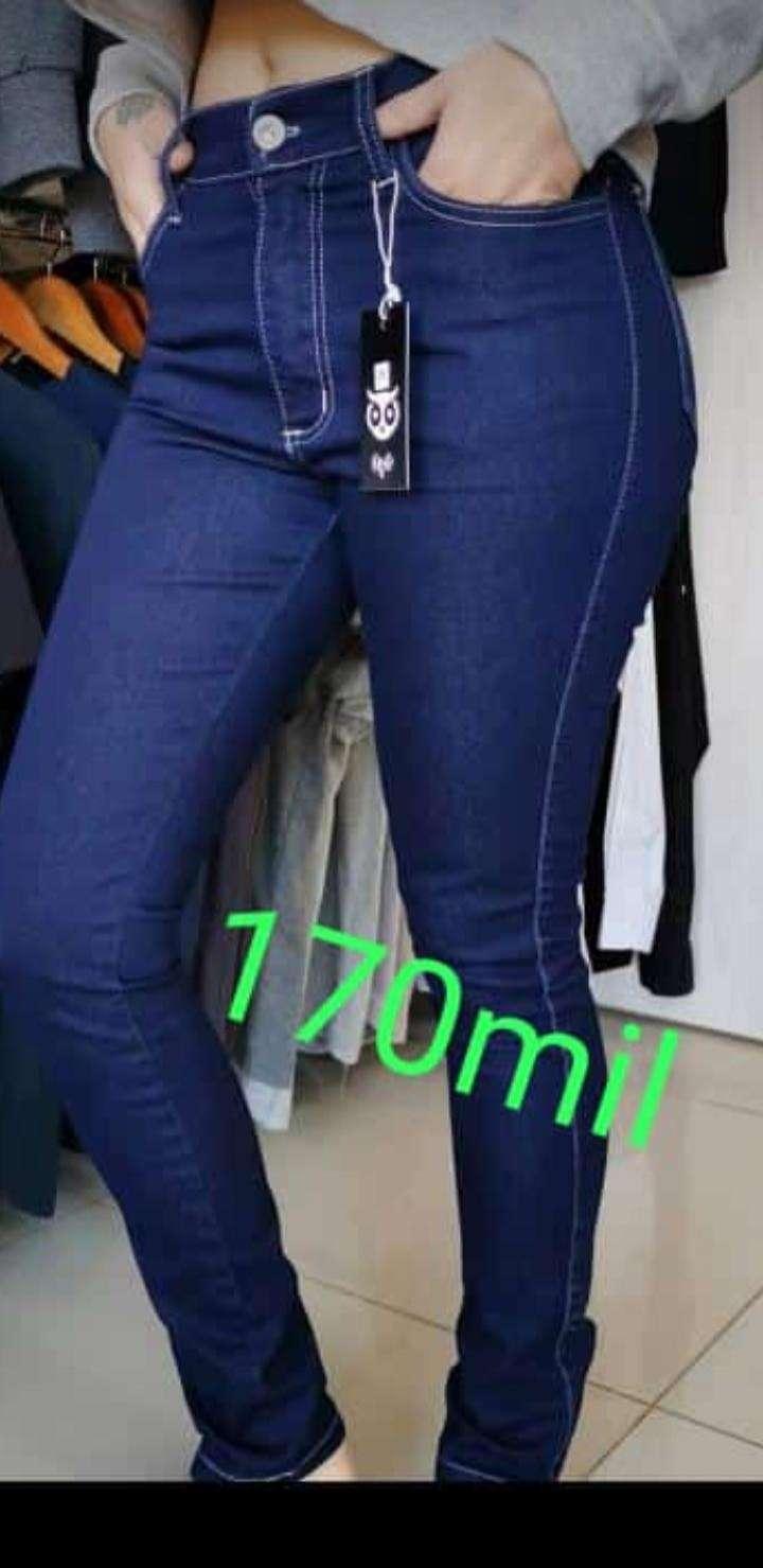 Jeans OVO para damas - 1