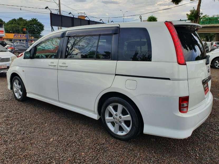 Toyota isis 2006 - 4