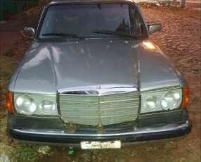 Mercedes Benz 300D 1980