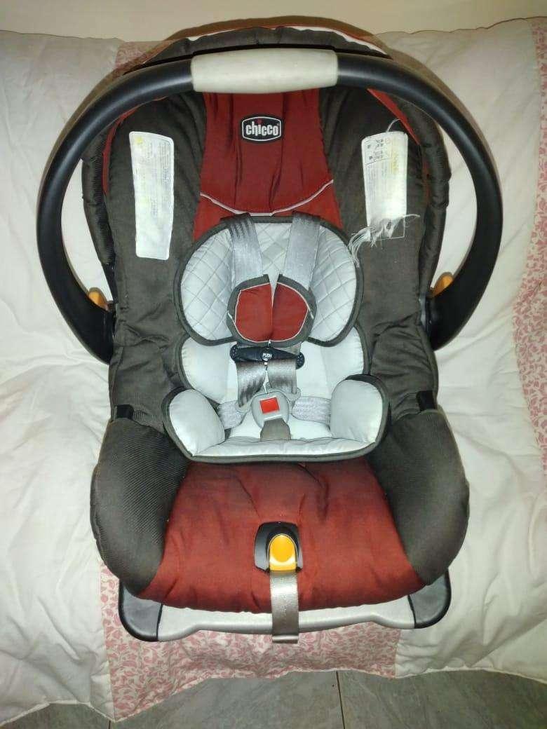 Silla de bebé para auto/Baby Seat - 1