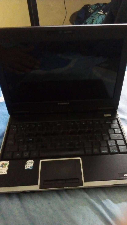 Mini Notebook Toshiba - 1
