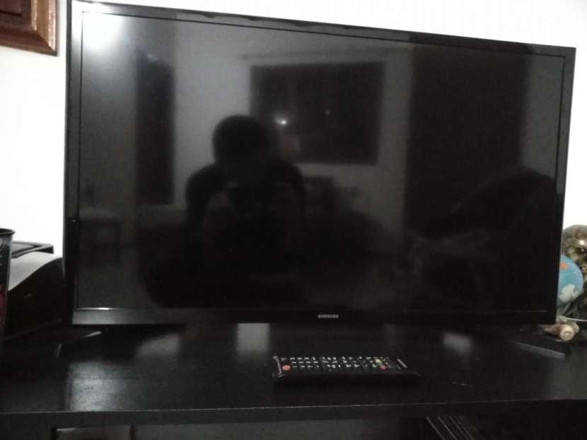 Smart TV Samsung de 32 pulgadas - 4