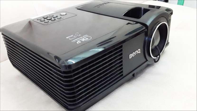 Proyector Benq 2.200 Lumens (leer bien la descripción) - 1