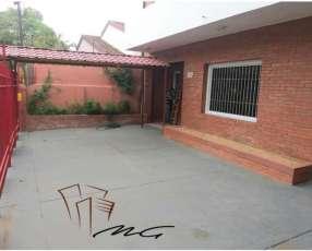Casa de 8 dormitorios en Barrio Las Mercedes