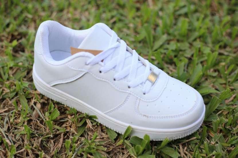 Sneakers Unisex - 0