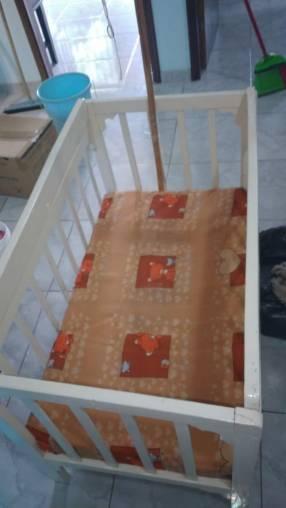 Cuna con colchón