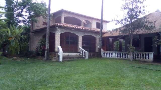 Casa quinta en Itacurubi de la Cordillera M6079 - 0