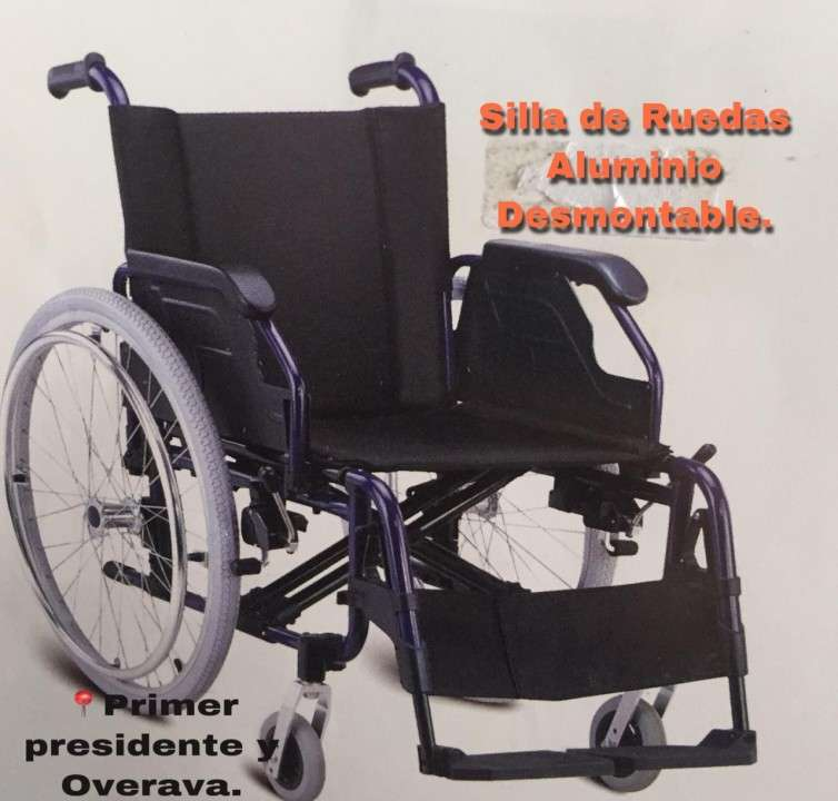 Silla de ruedas en aluminio con posa pies desmontable - 0