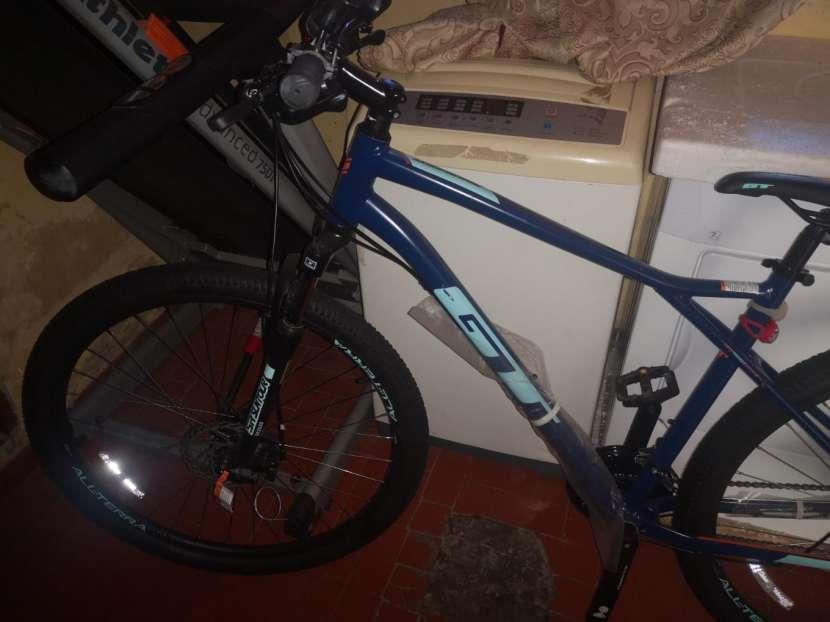Bicicleta GT aro 29 - 2