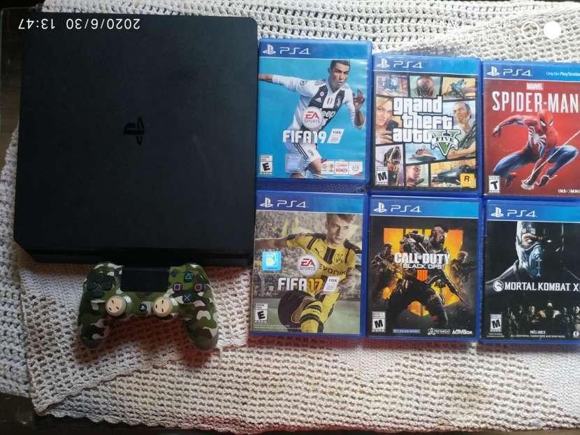 PS4 de 1 TB con juegos - 0