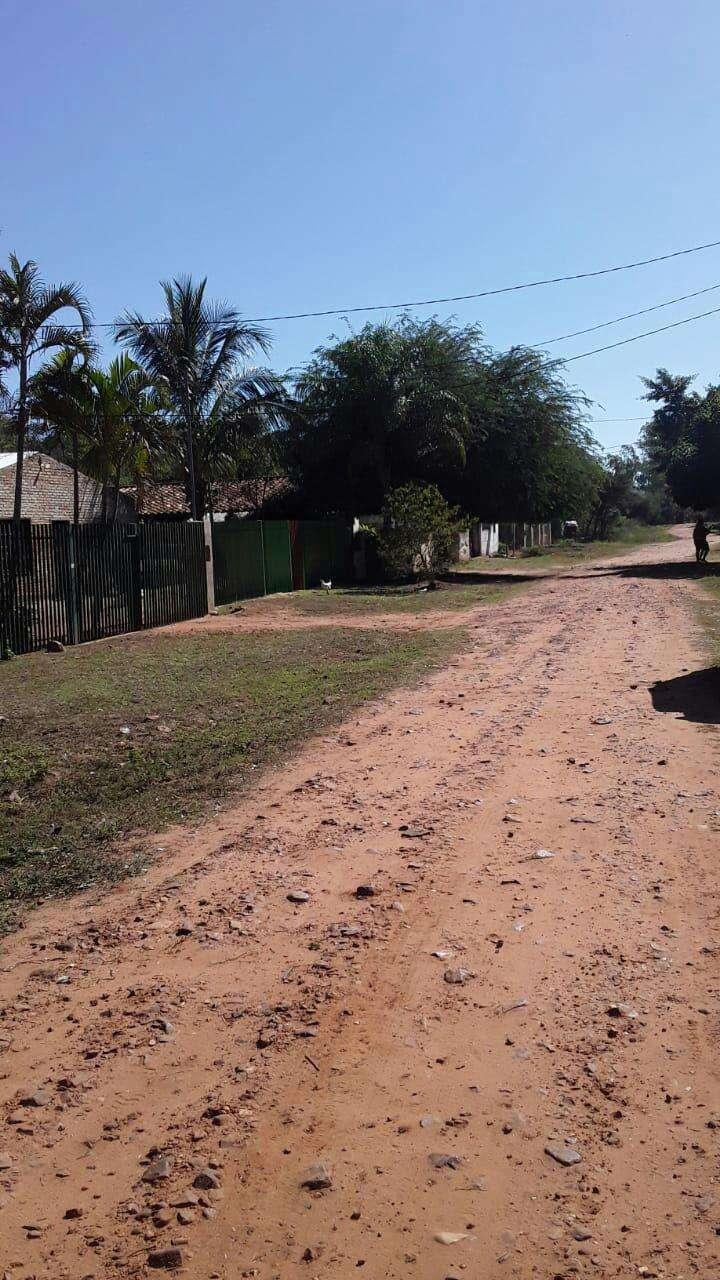 Terreno en Limpio Barrio Santa Lucia - 2