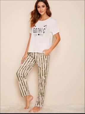 Pijama de gato pantalón a rayas blusa blanca