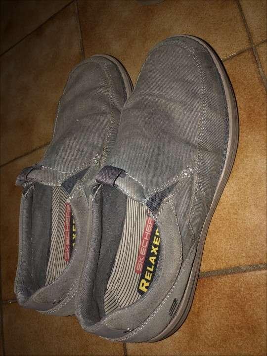 Champion y zapatos SKECHERS p/ hombre - 3