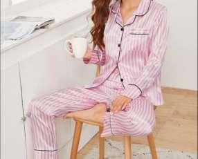 Pijama a rayas mangas largas satén