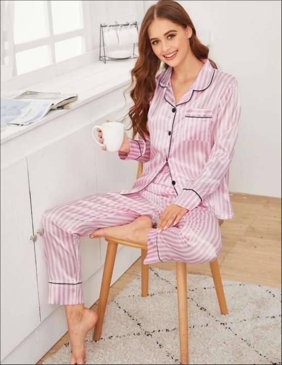 Pijama a rayas mangas largas satén - 0