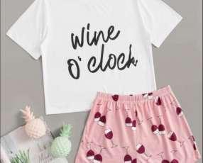 Pijama copas de vino wine short y remera