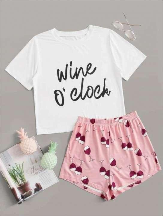 Pijama copas de vino wine short y remera - 0