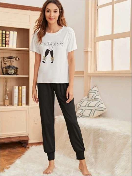 pijama copas jogger negro blusa blanca - 0