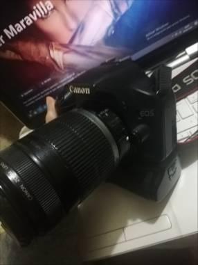 Cámara Profesional Canon 500D con lente 18-55mm