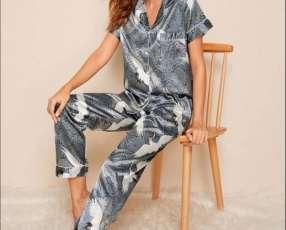 Pijama satin pájaro gris pantalón y camisa