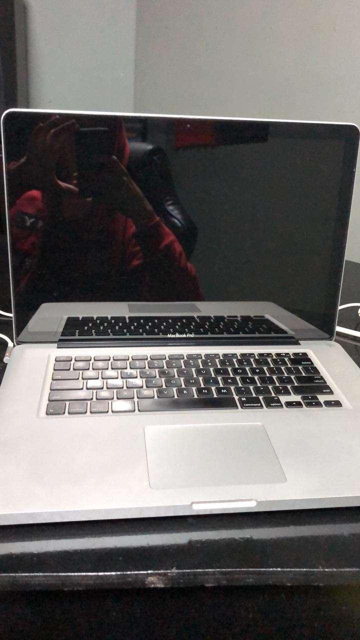 MacBook Pro 2010 - 0